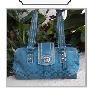 Authentic COACH HAMPTONS Blue Turquoise Shoulder Bag Purse for Sale in Lake Placid, FL