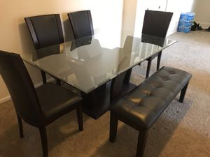 Dining room furniture for Sale in MONTGOMRY VLG, MD