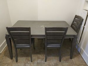 Dining room table and chairs for Sale in Detroit, MI