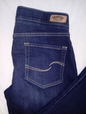 Modern Pull-on Capri By levi strauss & CO. for Sale in Arlington, TX