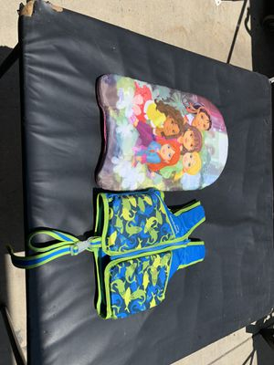 Girl life jacket and swimming aid for Sale in Ripon, CA
