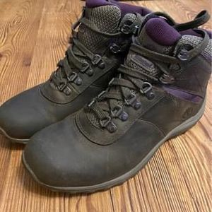 Timberland Waterproof Women's Hiking boot 8.5 - Excellent Condition! for Sale in Salt Lake City, UT
