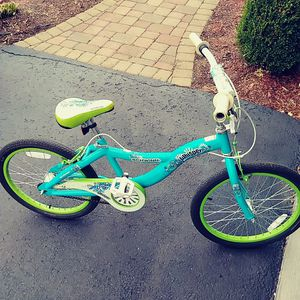 Schwinn Wisper 20 inch bike for Sale in Clairton, PA