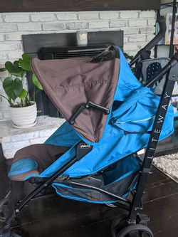Chicco Liteway Stroller for Sale in Edgewood,  WA