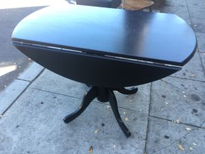 Black drop leaf kitchen dining table excellent condition for Sale in San Diego, CA