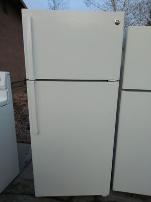 FREE DELIVERY / GE REFRIGERATOR for Sale in Las Vegas, NV