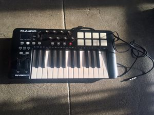 M Audio Midi Controller - Music Hardware - Keyboard for Sale in Los Angeles, CA