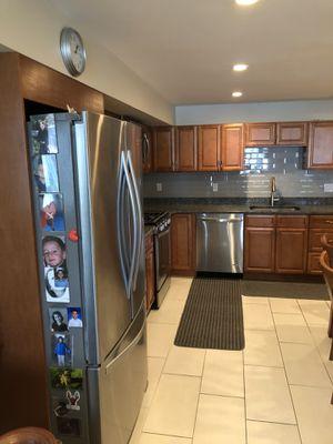 We are renovating our kitchen next week and want to see our gorgeous kitchen cabinets, sink, countertops, appliances and i find another loving home. for Sale in Boston, MA