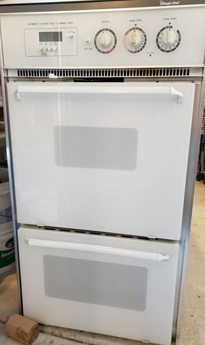 Magic Chef double oven works great. for Sale in Las Vegas, NV