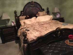 Bedroom set for Sale in Roswell, GA