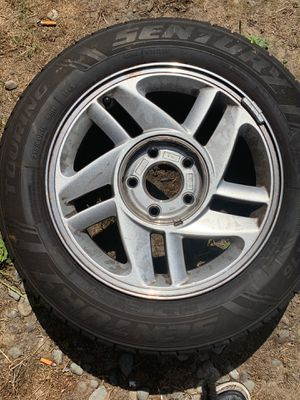 Rim and tire for Sale in Federal Way, WA