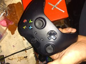 Xbox one controller 2 Xbox one games and Xbox one racing wheel for Sale in Haines City, FL