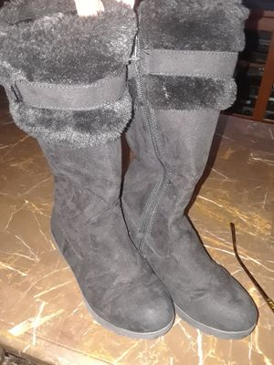 Size 12andahalf girl boots for Sale in Metairie, US