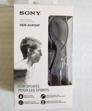 Sony sports headphones with microphone. Perfect for gym or other sports actions for Sale in Irving, TX