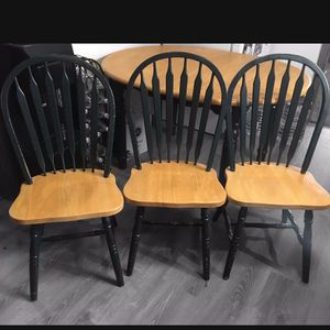 Maple Chairs With Emerald Painted Legs | Set Of 3 for Sale in Danbury, CT