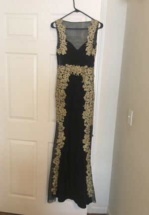 Size 3 prom dress for Sale in Evansville, IN