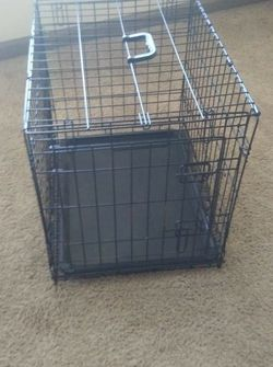 Single Door Collapsible Wire Dog Crate with carry handle for Sale in Charlotte,  NC