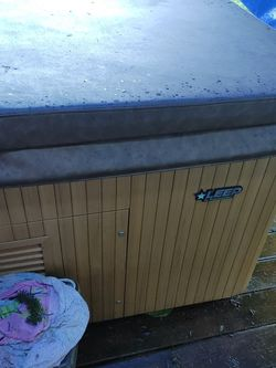 Hot Tub for Sale in Vancouver,  WA