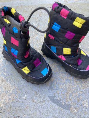 Kids snow boots 7T for Sale in San Bernardino, CA