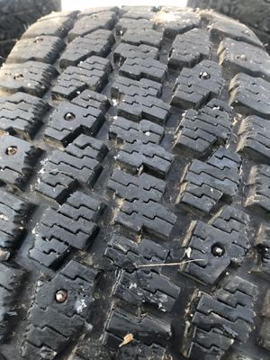 Studded tires 225/60/R16 for Sale in Prineville, OR