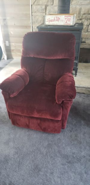 New burgandy recliner for Sale in Ashtabula, OH