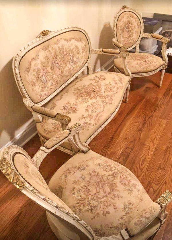 FRENCH BERGERE GILTED UPHOLSTERED AUBUSSON TAPESTRY LOVESEAT WITH 2 ARMCHAIRS