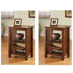 2 End Tables In Antique Oak Finish for Sale in Ontario,  CA