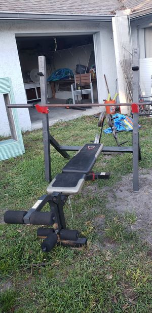 Weight set with weights for Sale in St. Cloud, FL