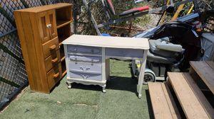 Desk for Sale in Tucson, AZ