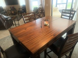 Beautiful Kitchen, Dining Table 4 Chairs Flawless for Sale in Orange City, FL