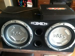 Payed 400 for da set asking for 250 great two 12 speakers very loud only 5 months old for Sale in Pittsburgh, PA