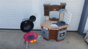 Little Tikes kitchen and Disney Bbq for Sale in Fresno, CA