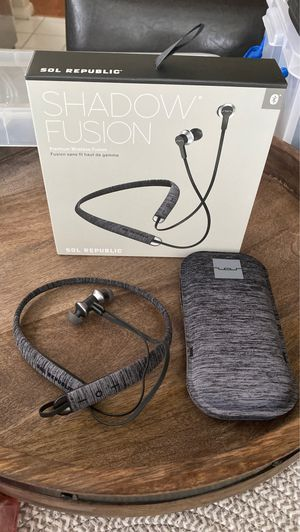 Shadow Fusion wireless earbuds by sol republic for Sale in Fresno, CA