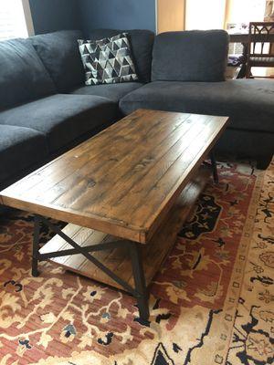 Beautiful Rustic Pine Coffee Table for Sale in Lake Oswego, OR