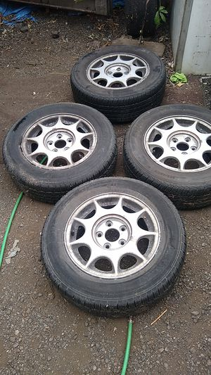 "205 65 15"" on aluminum rims fit Nissan Camry Honda Acura Kia Hyundai 5×1 1 4.3 bolt Pat. Excellent used tires Hankook for Sale in Auburn, WA"
