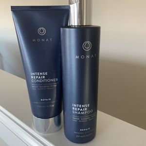 Monat Intense Repair Shampoo And Conditioner for Sale in Maple Valley, WA