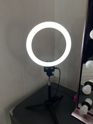 """8"""" LED RINGLIGHT for Sale in Chino, CA"""
