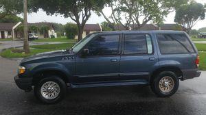 2001 ford explorer for Sale in Miami, FL