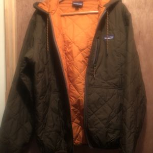 Patagonia Men's L Quilted Hoodie for Sale in Shelton, CT