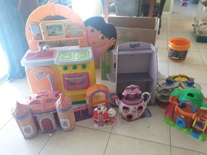 Lots of little girl toys all in good condition!! for Sale in Cape Coral, FL