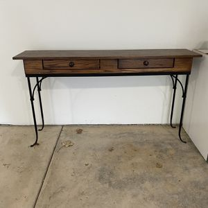 PRICE REDUCED! Charleston Forge Console Table for Sale in Edmonds, WA