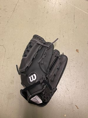 Wilson baseball glove for Sale in Virginia Beach, VA