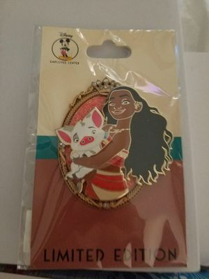 Disney employee center moana pin for Sale in Orange, CA