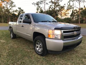 2007 Chevrolet Silverado. Cloth Seats • 4.8L V8 • RWD Automatic * New Tires •Original Painting • 1 Owner • We Finance! Engine & Transmission Perfects for Sale in Orlando, FL