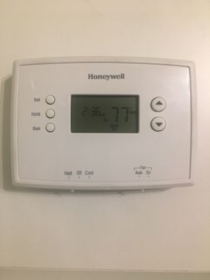 Honeywell Programmable Thermostat for Sale in Chicago, IL