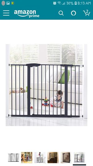 "Munchkin Easy Close XL Metal Baby Gate, 29.5"" - 51.6"" Wide, Black, Model MK0009-111 for Sale in Antelope, CA"