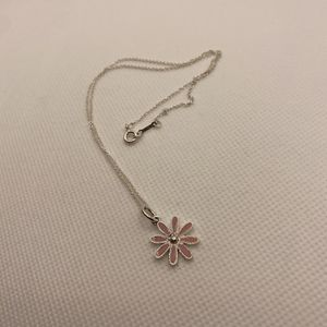 Beautiful Tiffany & Co Pink Daisy Necklace for Sale in New York, NY