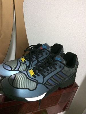 ADIDAS TORSION REFLECTIVE. SIZE 11 for Sale in Tampa, FL