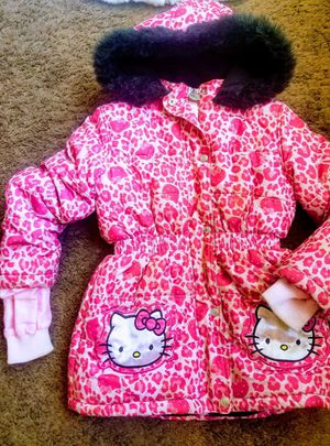 Sz7/8 Hello kitty winter coat for Sale in San Bernardino, CA