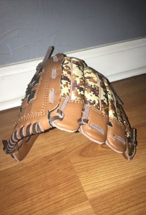 Adidas baseball gloves for youth for Sale in Oklahoma City, OK